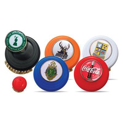 Brosse Evolve avec logo Doming sur le marqueur de balle disponible en 5 couleurs différentes